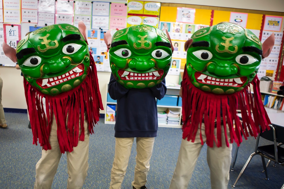 elementary school students wearing masks