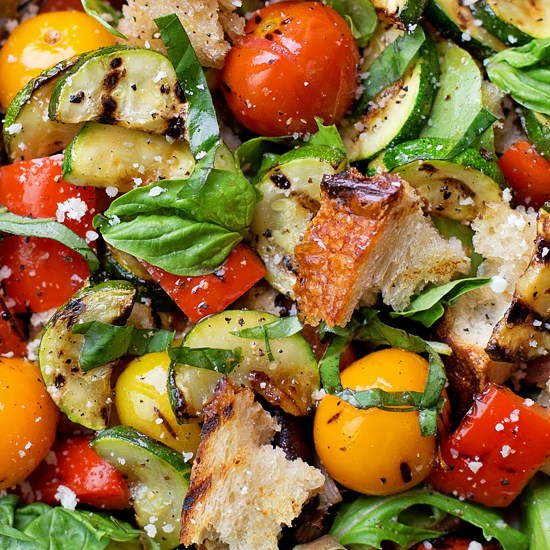 Make a grilled vegan salad with Far Hills